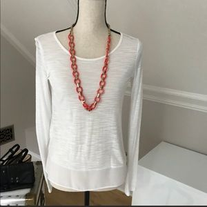 BCBGMaxazria White long sleeved top. EUC. Size XS